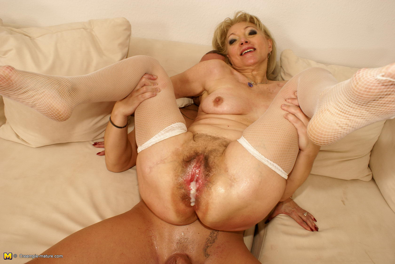 mature mama getting a real sicko creampie   pichunter