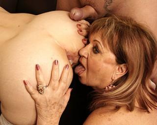 Two mature sluts getting a creampie